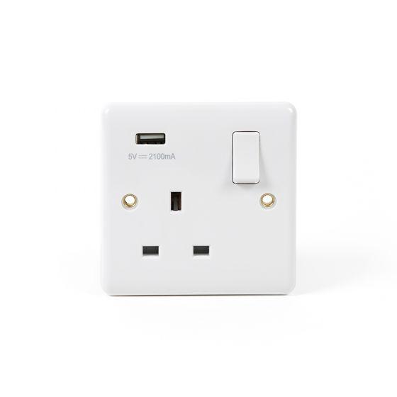 White Urea ST Range 13A 1 Gang USB Switched Socket