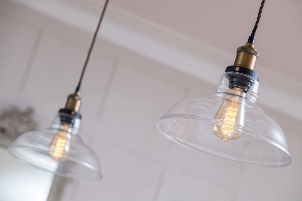 replacing halogen bulbs with led
